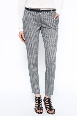Tinuta office: 10 sugestii vestimentare pentru primavara 2016: Pantaloni office gri