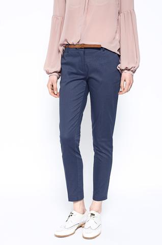 Tinuta office: 10 sugestii vestimentare pentru primavara 2016: Pantaloni office albastri texturati