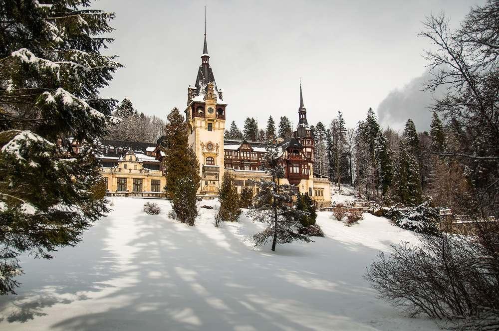 Imagini pentru sinaia iarna