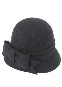 Accesoriile unei doamne: 17 palarii, berete si caciulite pentru iarna: Black Bow Cloche