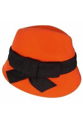 Accesoriile unei doamne: 17 palarii, berete si caciulite pentru iarna: Palarie portocalie cu fundita