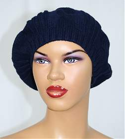 Accesoriile unei doamne: 17 palarii, berete si caciulite pentru iarna: Bereta tricot model