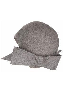 Accesoriile unei doamne: 17 palarii, berete si caciulite pentru iarna: Palarie sic cu funda