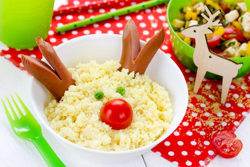 Masa de Craciun: 20 de Idei super creative pentru a decora farfuriile si mancarea celor mici: Renul cuscus