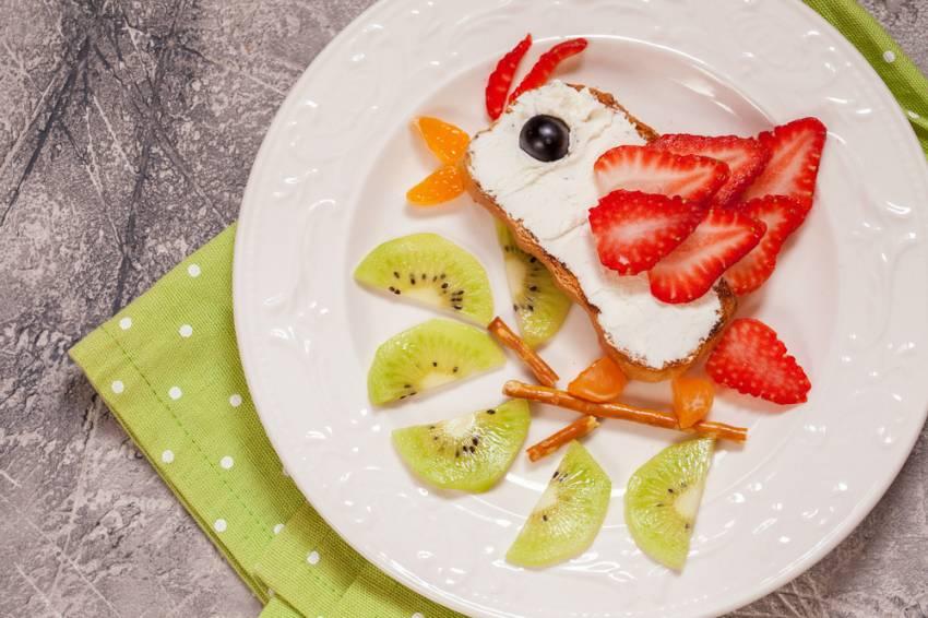 Masa de Pasti pentru copii: 21 de Idei foarte creative si simpatice de a decora mancarea din farfurii pe gustul celor mici: Bun-venit, primavara!