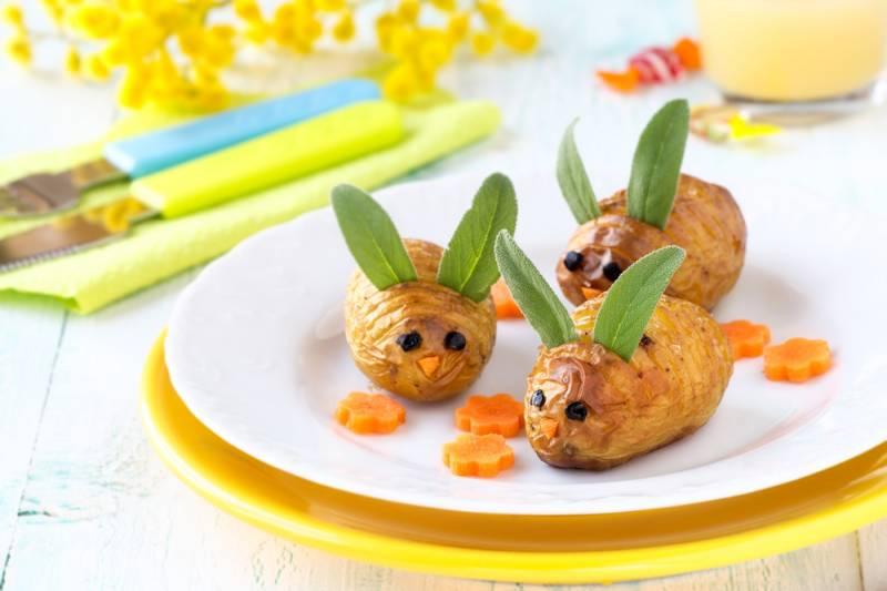 Masa de Pasti pentru copii: 21 de Idei foarte creative si simpatice de a decora mancarea din farfurii pe gustul celor mici: Cartofi cu urechiuse