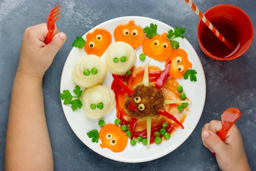 Masa de Pasti pentru copii: 21 de Idei foarte creative si simpatice de a decora mancarea din farfurii pe gustul celor mici: Ce de ochi in farfurie