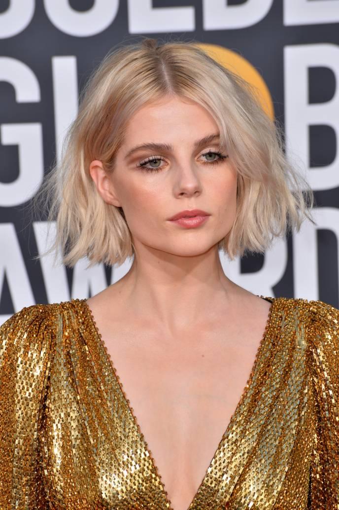 Coafuri de covorul rosu: 23 de coafuri speciale, care au impresionat la Gala Globurilor de Aur 2019 - Lucy Boynton - Slide 1 din 23