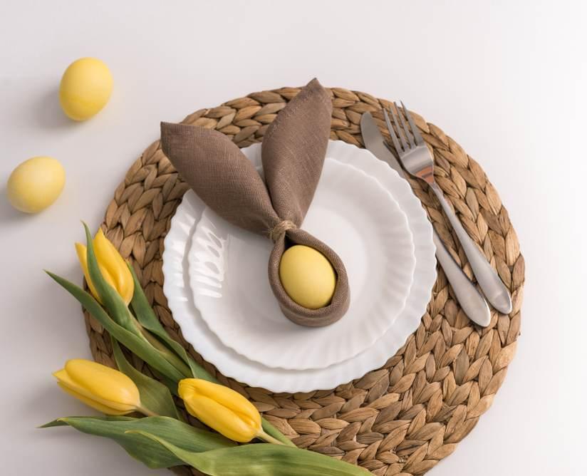 Masa de Pasti: 19 Idei super simple, dar ingenioase, de decorare a farfuriei: Iepurasul din servet