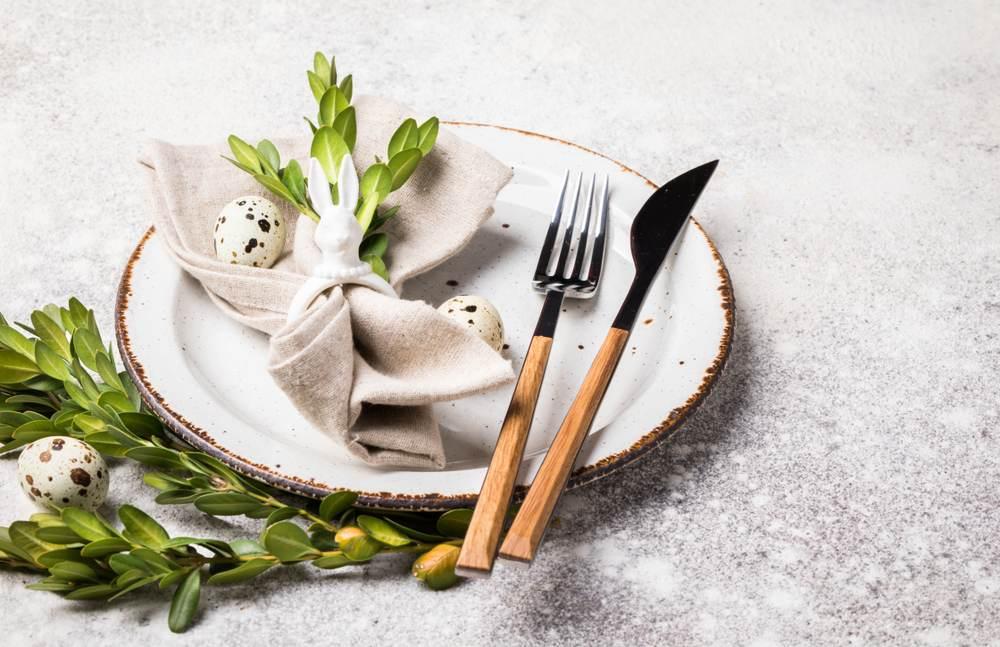 Masa de Pasti: 19 Idei super simple, dar ingenioase, de decorare a farfuriei: Inel de prindere a servetului in forma de iepuras