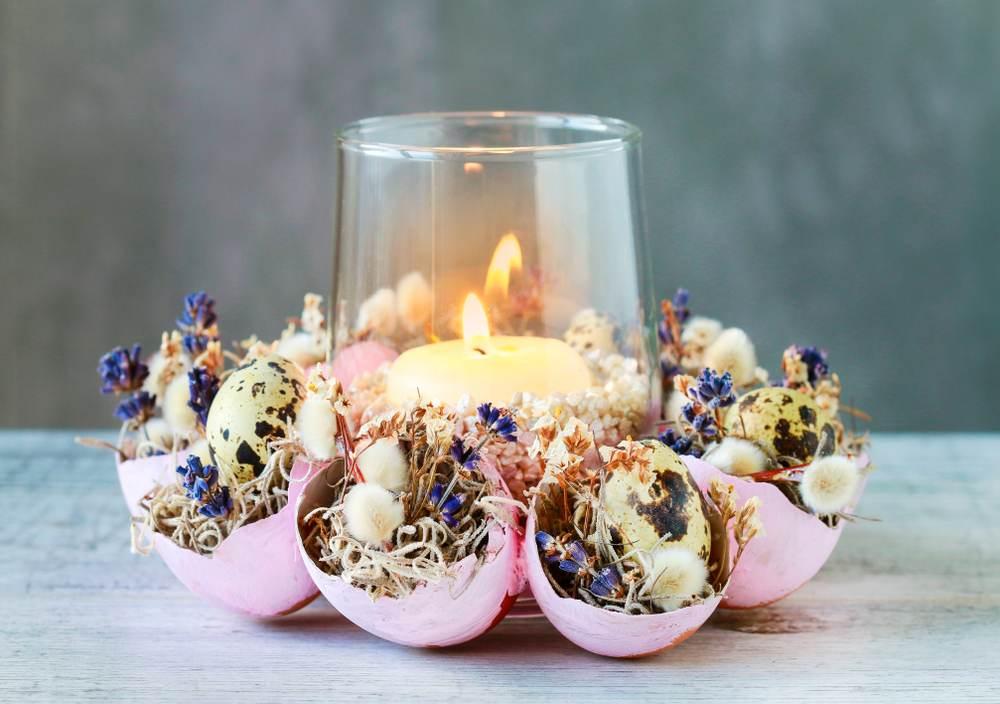 Idei super creative pentru masa de Paști: 17 Decorațiuni din Ouă și Coji de ouă: Decoratiune de Pasti din coji de oua, planta decorativa Tillandsia si matisori