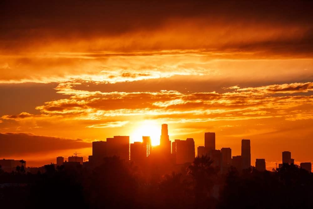 Rasarituri urbane: 14 rasarituri splendide din diverse colturi ale lumii: Rasarit in Los Angeles