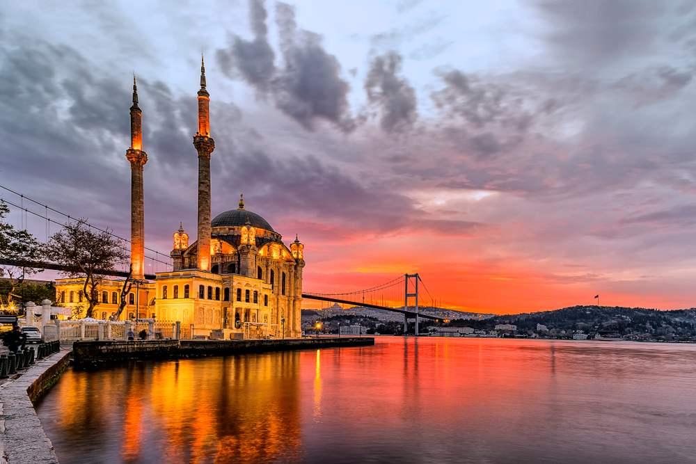 Rasarituri urbane: 14 rasarituri splendide din diverse colturi ale lumii: Rasarit in Istanbul