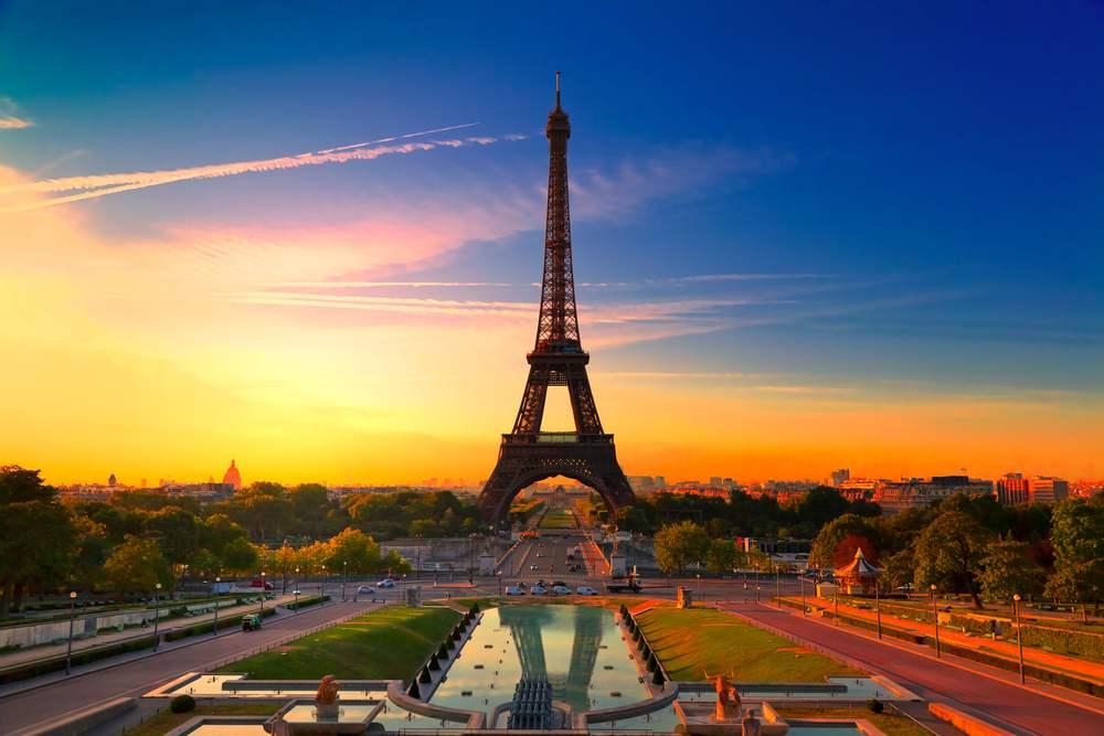 Rasarituri urbane: 14 rasarituri splendide din diverse colturi ale lumii: Rasarit in Paris