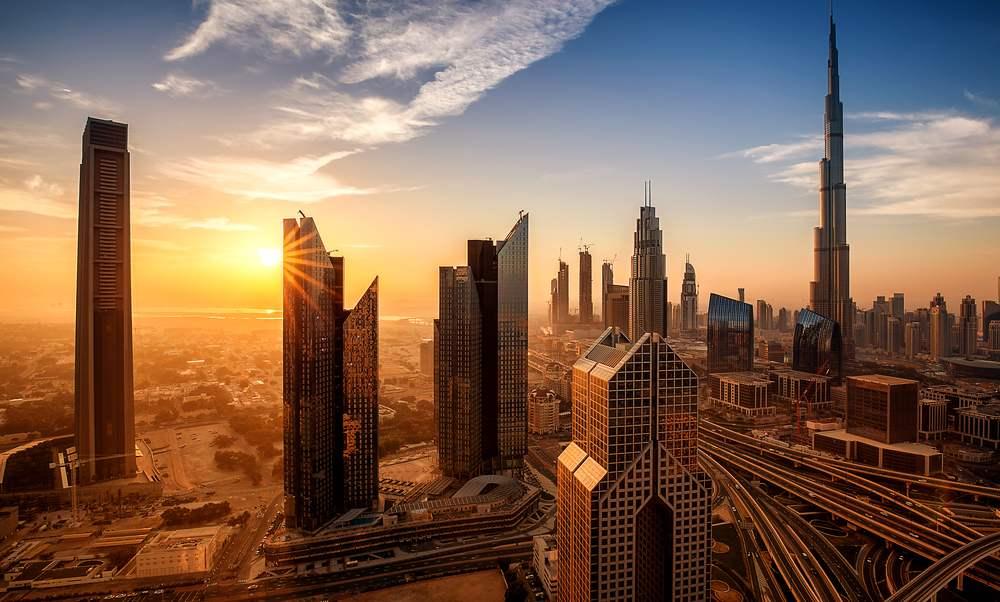 Rasarituri urbane: 14 rasarituri splendide din diverse colturi ale lumii: Rasarit in Dubai