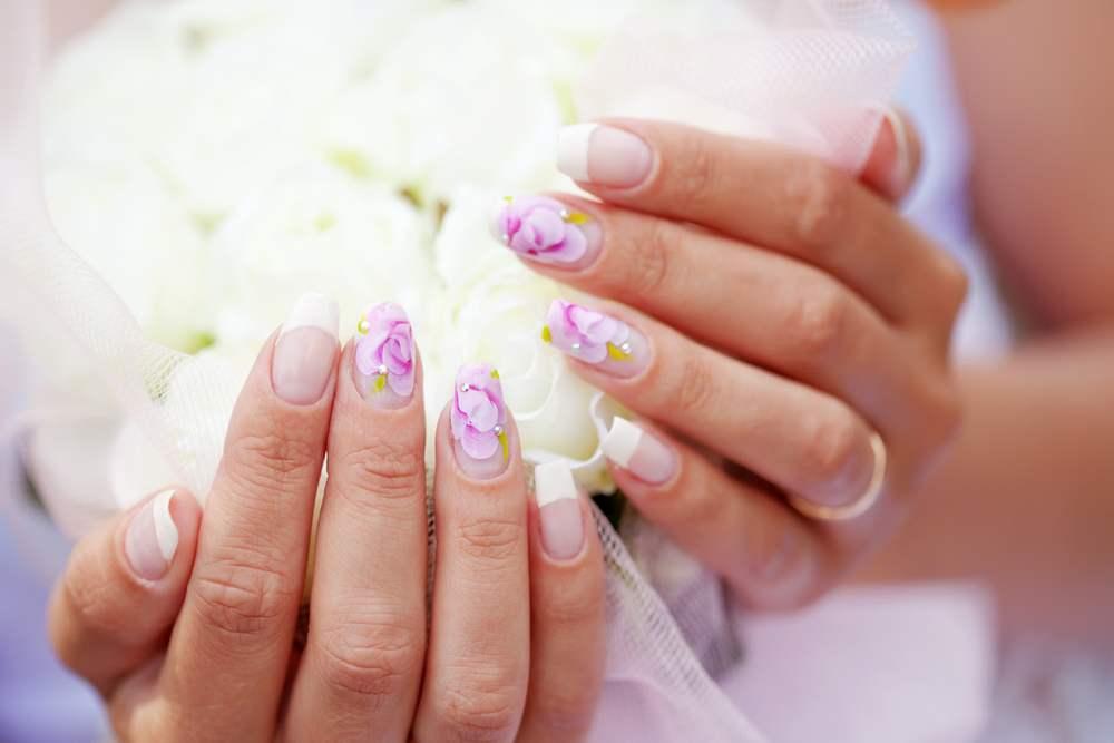 Unghiute fericite si stralucitoare: 20 de modele de manichiura pentru nunta: Unghii de inspiratie florala