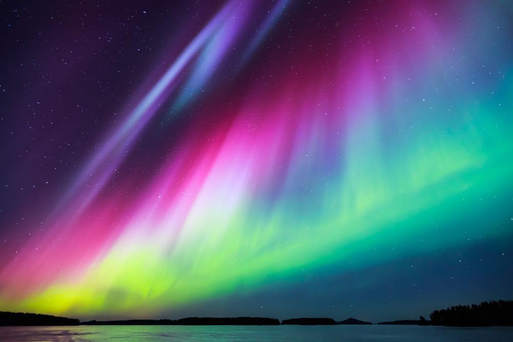 Aurora boreala: Imagini unice cu unul dintre cele mai spectaculoase fenomene optice de pe planeta: Curcubeu pe o scara extinsa