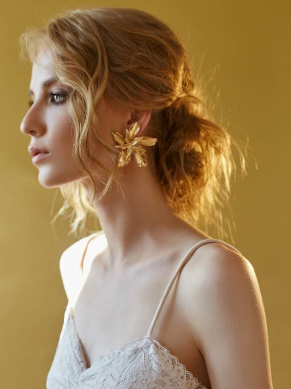 Parul cu aspect dezordonat este (INCA) in tendinte: 20 de Coafuri sexy, tip messy!: Coafura messy romantica