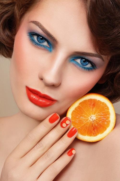 Makeup trends: Metode inedite de a purta Culoarea Anului 2020 pe pleoapele tale: Sexy blue