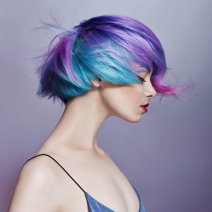 Parul de sirena: 10 exemple de buna purtare a albastrului clasic (culoarea anului!) in par: Par vopsit in mai multe nuante, predominand albastrul