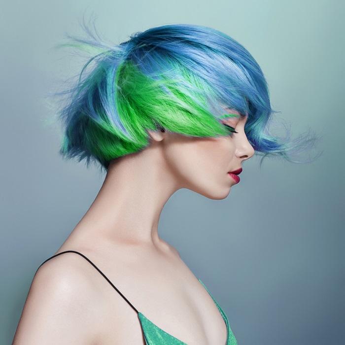 Parul de sirena: 10 exemple de buna purtare a albastrului clasic (culoarea anului!) in par: Nuantele marii intr-o coafura sexy si futurista