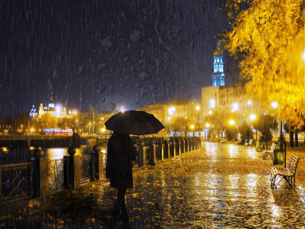 Ploua noaptea in oras: 16 Imagini nocturne feerice cu ploaia si luminile orasului: Ploua ca-n visele cu toamna