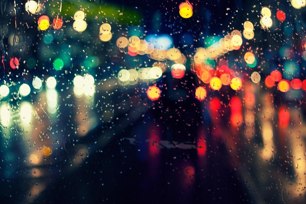 Ploua noaptea in oras: 16 Imagini nocturne feerice cu ploaia si luminile orasului: Halucinatii nocturne pe bune