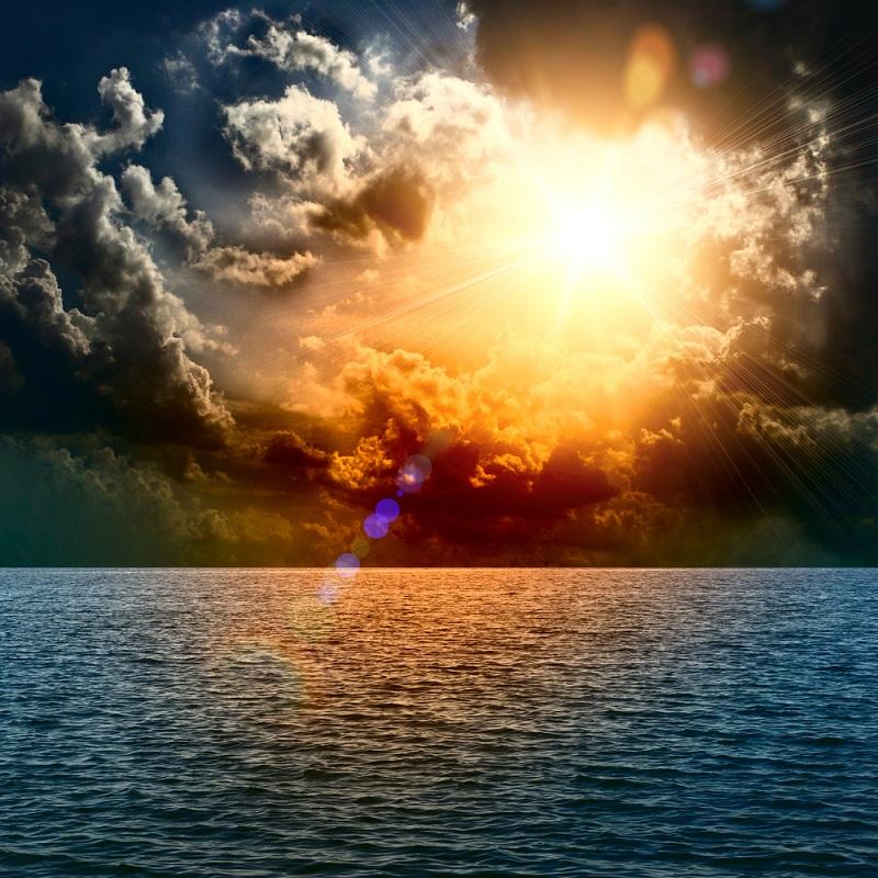 Apus de soare la mare: 19 imagini magnifice, desprinse parca din Paradisul asfintiturilor: Apus de soare in mijlocul oceanului