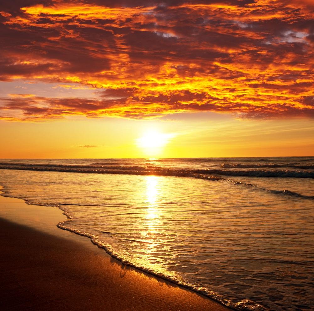 Apus de soare la mare: 19 imagini magnifice, desprinse parca din Paradisul asfintiturilor: Si cerul mai ia foc si apoi se racoreste, dar noi oamenii?