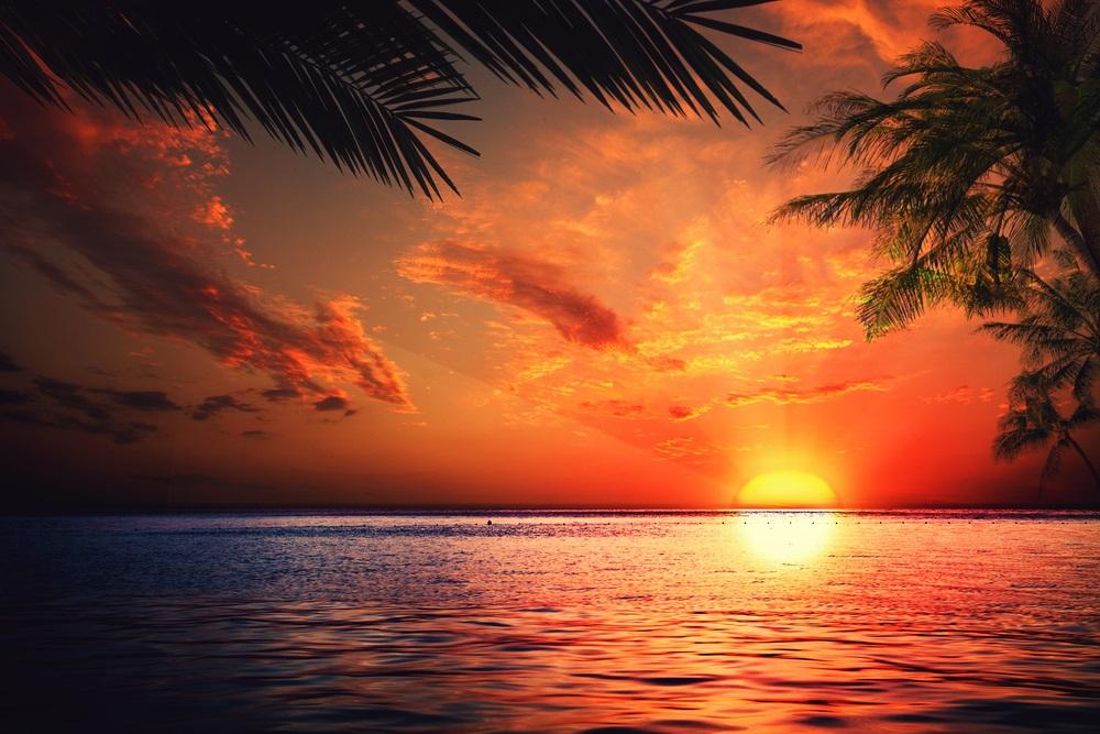 Apus de soare la mare: 19 imagini magnifice, desprinse parca din Paradisul asfintiturilor: Apus de soare magnific deasupra oceanului