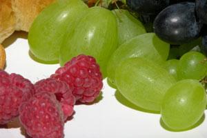 Alimente care trateaza anemia: Fructele