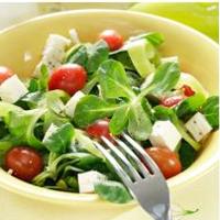 5 retete de salate de post: Salata de legume si tofu