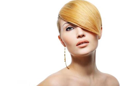 Feminitate... ALTFEL: 10+1 tunsori pentru parul scurt: Tunsoare scurta eleganta