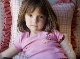 Copilul este in pericol: Ghid de prim ajutor in 8 situatii dificile: Atunci cand copilul isi dizloca umarul sau cotul