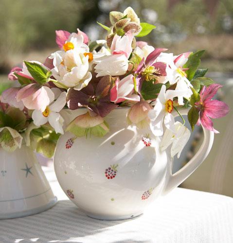 Practic: 5 idei inedite de a depozita florile: Ceainice