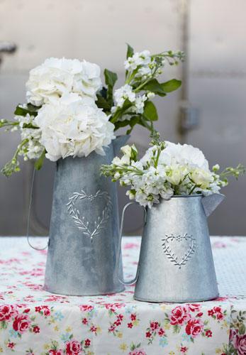 Practic: 5 idei inedite de a depozita florile: Stropitori