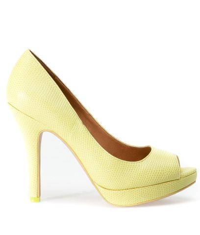 In tendinte: 25 de modele de pantofi superbi, cu toc: Pantofi galben-lamaie