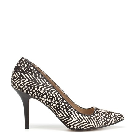 In tendinte: 25 de modele de pantofi superbi, cu toc: Pantofi cu imprimeu alb-negru