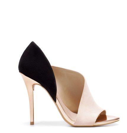 In tendinte: 25 de modele de pantofi superbi, cu toc: Pantofi-sanda decupati