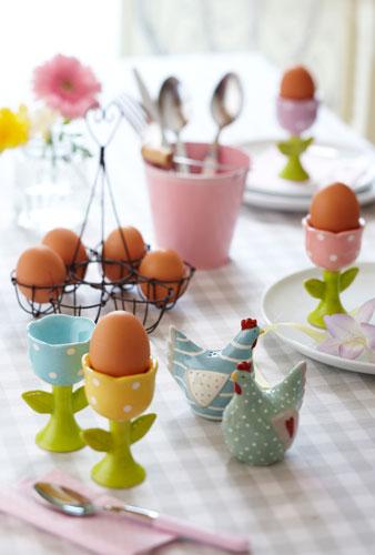 5 metode ingenioase de a depozita ouale de Pasti: Suporturi pentru oua, vesele
