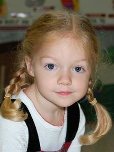 10 coafuri simple de vara pentru fetite: Codite impletite