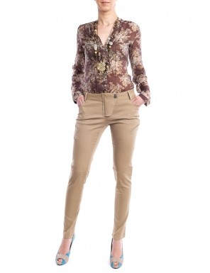 Moda accesibila: 21 de piese vestimentare si accesorii ieftine, sub 100 de RON: Pantaloni bej cu croiala skinny