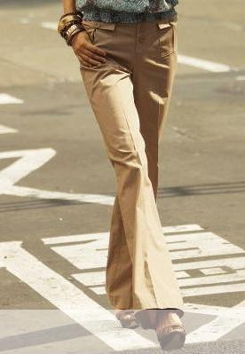 Moda accesibila: 21 de piese vestimentare si accesorii ieftine, sub 100 de RON: Pantaloni largi cu talie inalta