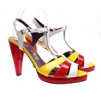 Moda accesibila: 21 de piese vestimentare si accesorii ieftine, sub 100 de RON: Sandale multicolore