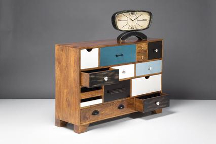 Home chic: 19 modele moderne de comode: Comoda cu sertare colorate