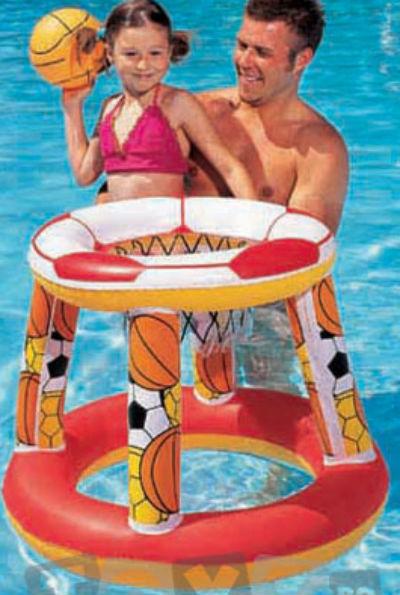10 Accesorii de plaja ideale pentru copii: Cos de baschet gonflabil