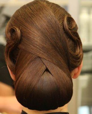 5 Coafuri impresionante pentru mirese: Coafura nobila