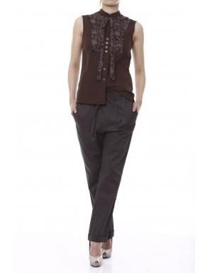 20 de modele de pantaloni eleganti: Pantaloni conici gri cu siret in talie