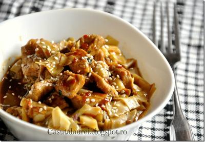 Mancare chinezeascsa: 5 retete aromate: Porc prajit cu miere si ghimbir