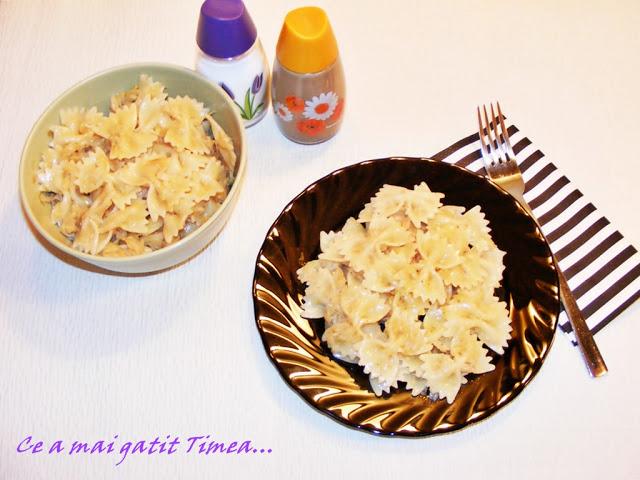 10 retete cu paste si spaghete: Farfalle cu varza calita